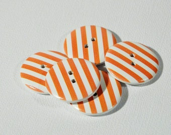 Orange set of 10 striped wood buttons 25 mm