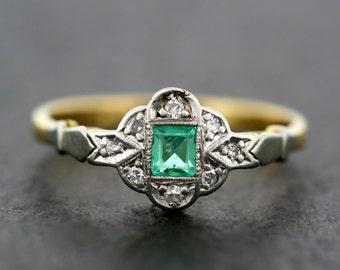 Art Deco Emerald Ring - Antique Emerald & Diamond 18ct Gold and Platinum Art Deco Ring