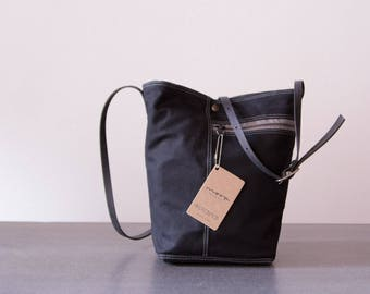 Tote no. 2 in Black waxed canvas