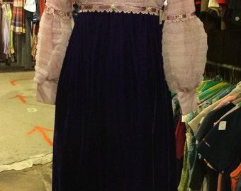 Vintage 1960s Velvet and Lace Dress