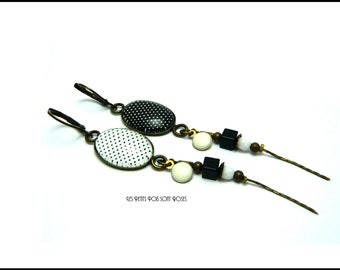Earrings cabochon Balck and white retro vintage