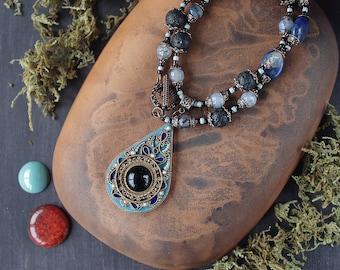 boho pendant necklace black stone, ethnic necklace natural stones, Indian blue jewelry, ethnic pendant black and blue stone