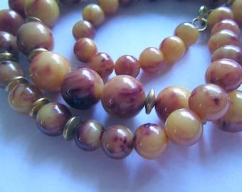 Vintage Bakelite Necklace Beads Fall Colors Butterscotch Merlot Costume Jewelry MoonlightMartini