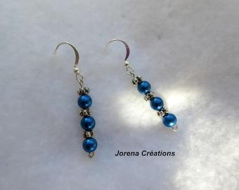 Pendant earrings three blue beads