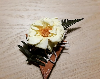 Stabilized flowers boutonniere