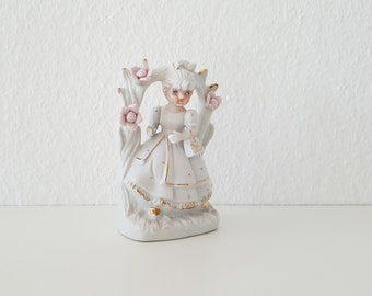 Vintage Porcelaine Figurine, Girl with Flowers, Girl statuette, Home decor Figurine, Romantic decor, Vintage statuette gift, German Doll