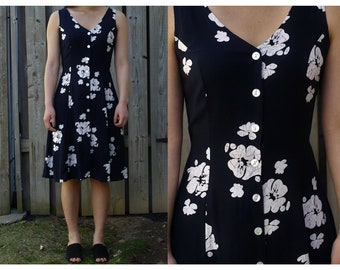 Vintage navy floral printed button up midi dress, beach-y flowy style