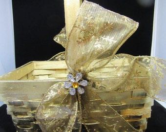 Basket Flower Girl Vintage Basket Basket Wedding Basket Centerpiece Basket Table Decor Home Decor Country Decor Cottage Chic Gift Storage
