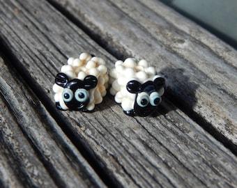 Sheep, Lampwork Bead Pair, Simply Lampwork by Nancy Gant, SRA G55