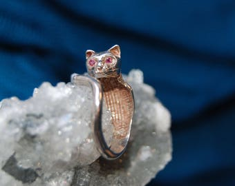 Vintage Sterling Silver Ruby Red Stone Eyed Kitty Cat with Collar Climbing Wrap Tail Ring 925 #BKB-KWR102