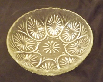 Mid Century Pressed Glass Flower Burst Clear Serving Bowl