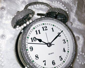 VINTAGE look Glitter Alarm Clock