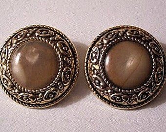 Brown White Marbled Clip On Earrings Gold Tone Vintage Simon Chang Large Buttons Rimmed Edges