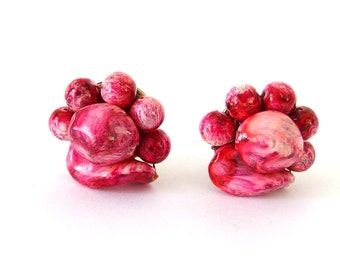 Red Swirl Cluster Earrings - Hong Kong Vintage 1950's Clip On Jewelry
