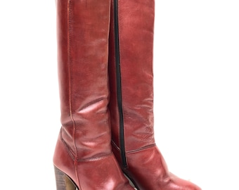 Vintage 1970s 'Reny' oxblood leather, knee high boots with side zip and stacked heel / Made in Brazil