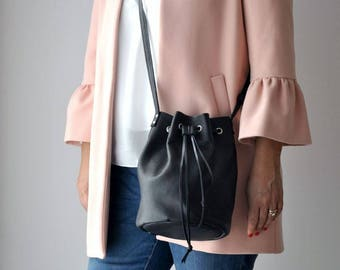 Borsa in pelle nera, borsa a tracolla nera, borsa pelle, borsa nera, borsa secchiello