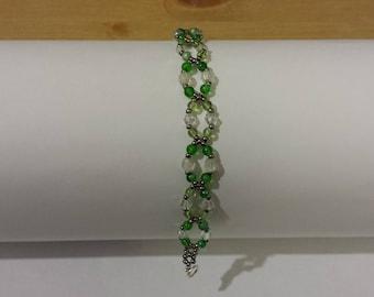 green glass bead bracelet