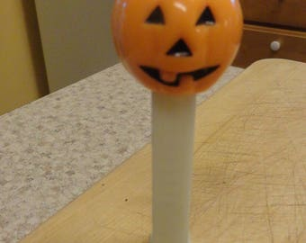 Vintage PEZ Pumpkin Halloween Glows in the Dar Dispenser