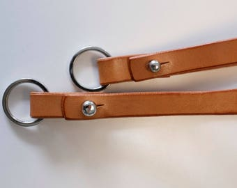Key chain strap in cognac genuine leather