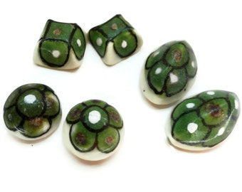 20 Hand Painted Vintage Cabochons Flat Back Jewelry Findings in Your Choice of Shapes for Jewelry Crafts