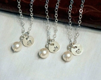 Set of 5 Personalized Bridesmaids Gifts Jewelry Bridesmaid Pearl Jewelry Wedding Jewelry Initial Necklace