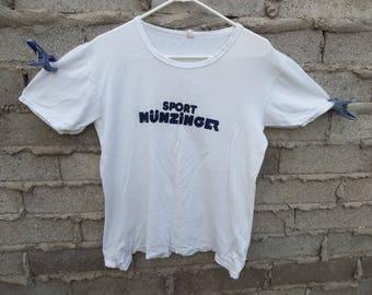 Vintage T-Shirt 1990s 1980s Sport Munzinger Velvet Logo German Soccer Store Hipster World Cup Mundial Spell Out Retro Medium Tee 90s 80s Top
