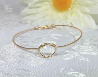 Tie the knot bracelet, bangle bracelet, wire knot bracelet, knotted bracelet, bridesmaid bracelet, infinity bangle, bridesmaid gift, bride