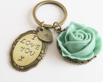 I Love You keychain, personalized keychain, flower bag charm, initial keyring, Mother's Day gift, gift for her, sleutelhanger met initiaal