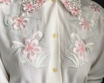 vintage floral embroidered detail collared blouse