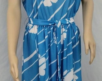 Vintage 70's Blue and White Floral Day Dress
