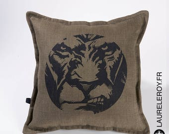 Lion khaki pattern pillow cover