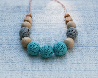 Nursing  necklace Turquoise necklace Crocheted teething necklace Babywearing necklace Breastfeeding necklace Wooden beaded Mother's day sale