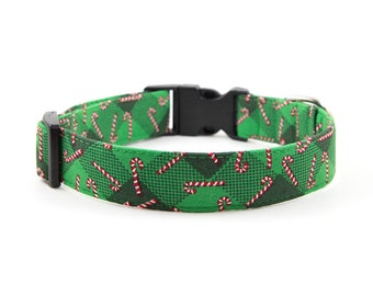 Christmas Dog Collar // Size S-XL // Adjustable Length // Fabric: Candy Cane Plaid