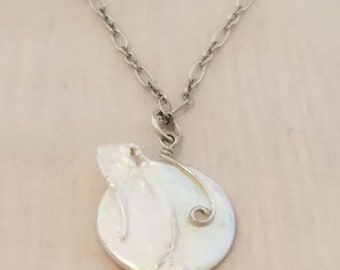 """Freshwater Pearl with a Swirl on an 18"""" silver chain"""