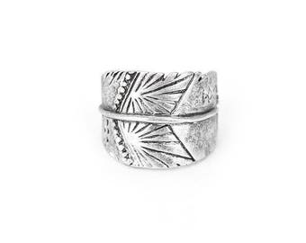 Ring Mystic Spirit / / / Antique Silver / / / France size 60 - Size US 9