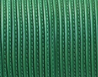 Flat leather - 2mm - with side seam - Green - by 20cm - CP217VE0142
