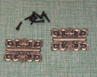 Homecraft Fleur di Lis Hinges 2 Silver Toned Craft Supplies Woodworking Hardware and Steam Punk Jewelry