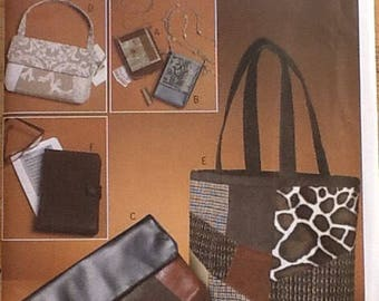 Sewing Pattern.  Butterick B5437, bags, tote, clutch, shoulder bag, e-reader cover.
