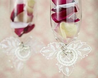 Western Cowboy Lasso Wedding Toasting Glasses - Custom Engraving Available - 30118