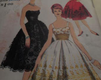 SALE Vintage 1960's Vogue 4958 Special Design Evening Dress Sewing Pattern, Size 12 Bust 32