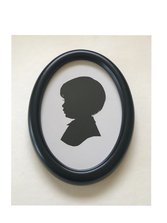 5x7 inch Solid Black Oval Wood Silhouette Frame