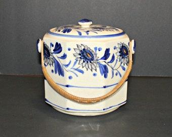 Blue White Antique Biscuit Jar,Antique Japan Biscuit Jar,Biscuit Jar Japan,Antique Biscuit Jar,Blue and White Flower Biscuit Jar,Biscuit Jar