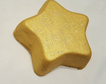 Be A Star Bath Bomb Fizz - 10 oz - yellow - gold- relax - moisturizing - skin softening - bubble, fizz and spin