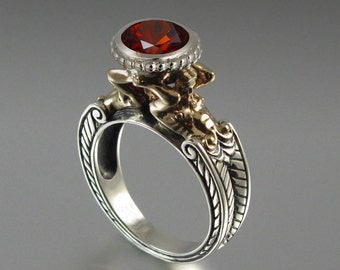 CARYATID 14K gold and silver Ring with Garnet