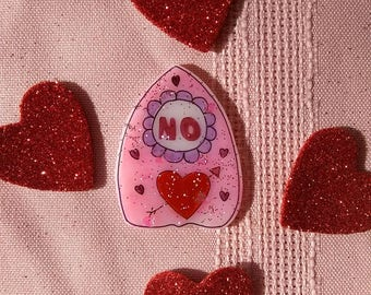 Valentine planchette brooch, ouija pin, pastel grunge, creepy cute, pastel goth, Witch, scream queen, spooky,witchy, witch,occult, ghosts