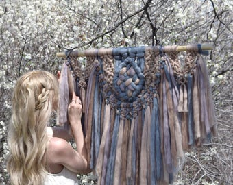 """Mama Knows Luxury Kit - DIY Knitting Wonders Woolly Mammoth Wall Hanging (35"""" Wide!!) Includes the Printed Pattern & Full Video Tutorial"""