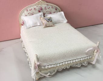 Dolls house miniature Shabby chic bed