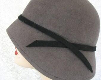 Cloche Wool Flapper Hat 1920s Art Deco - Simply Smashing