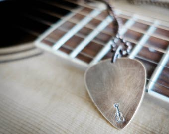 Mens Necklace, Gift, guitar pick Necklace, Mens Jewelry, Mens Gift, chain necklace, Husband Gift, Men Necklace, Boyfriend Gift, fathers day