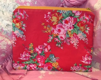 Zippered Pouch Red Roses Shabby  Jennifer Paganelli fabrics Gadget Cosmetic Bag Phone kindle Purse organizer